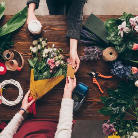 choosing wedding flowers