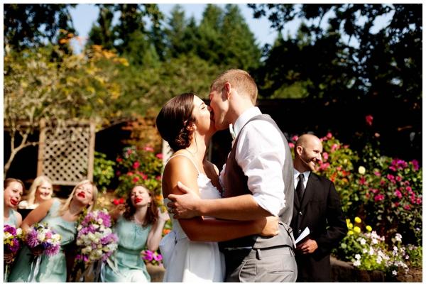 gorgeous-backyard-diy-wedding_0012