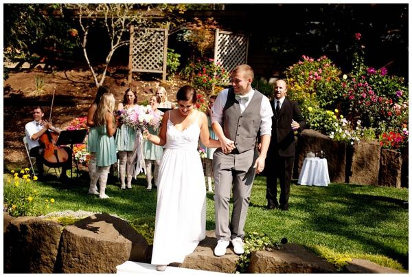 gorgeous-backyard-diy-wedding_0014