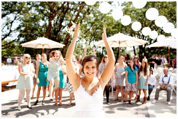 gorgeous-backyard-diy-wedding_0022
