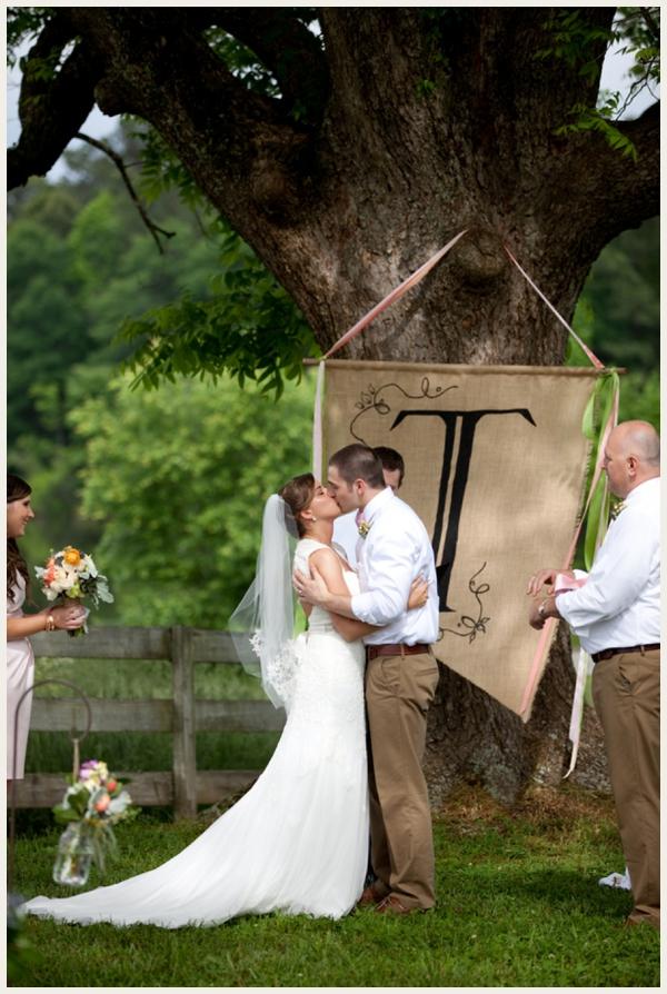 rustic-vintage-outdoor-wedding_0015