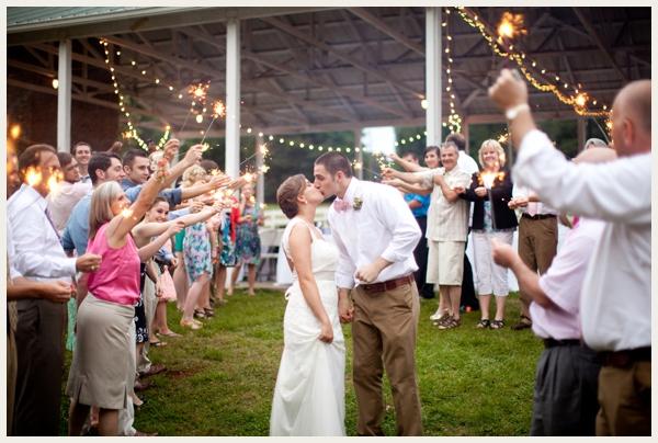 rustic-vintage-outdoor-wedding_0019