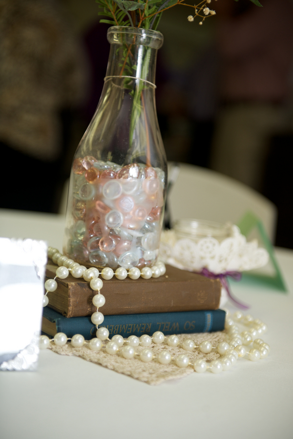 book centerpiece_Blume_Photography_LLC_BlumePaterTaylor076_low