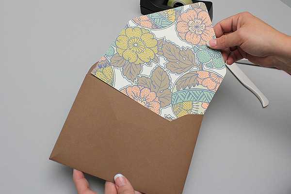 vintage-autumn-slide-in-envelope-liner