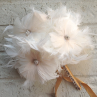 feather wedding bouquet - flower alternatives