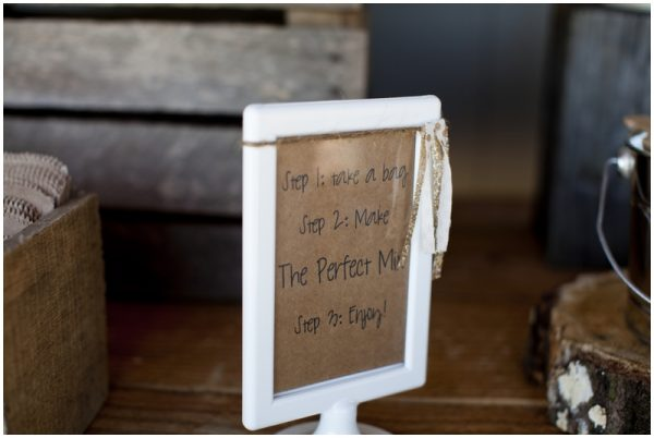 trail mix party favors rustic wedding
