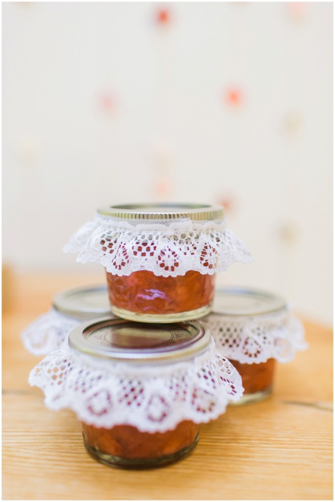 freezer jam wedding favors - photos by alexisjuneweddings_0040