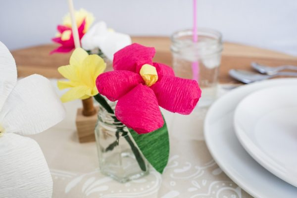 Spring Wedding Inspiration and DIYs paper flowers