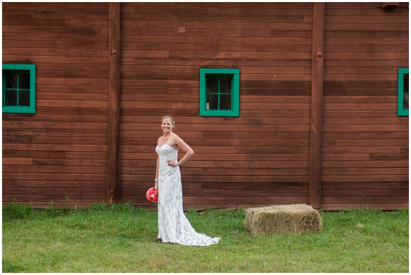 barn bridal photos