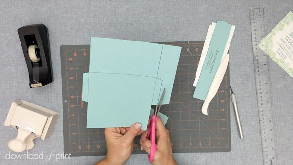 Download-and-Print-Daisy-Pocketfold-Tutorial-04-Cut-Out-Pocket