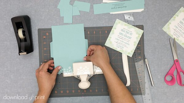 Download-and-Print-Daisy-Pocketfold-Tutorial-07-Punch-Border