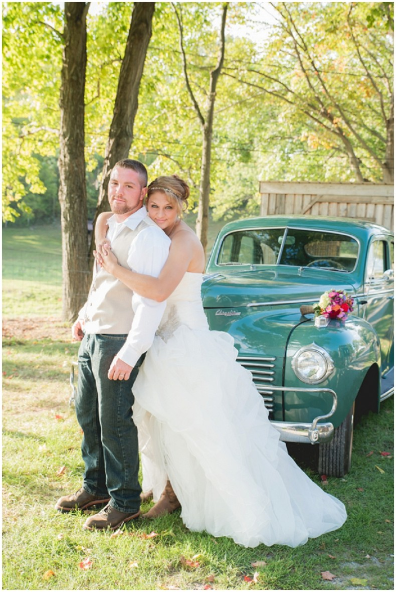 vintage car bridal photos