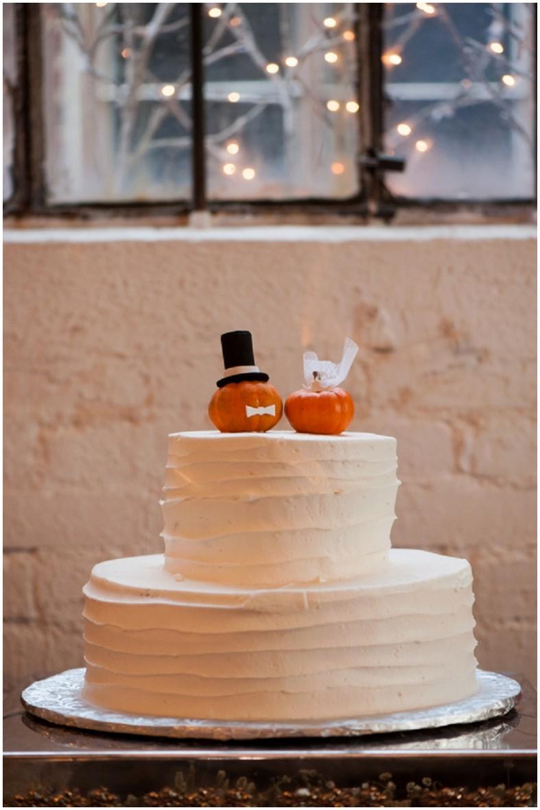 wedding cake with pumpkins