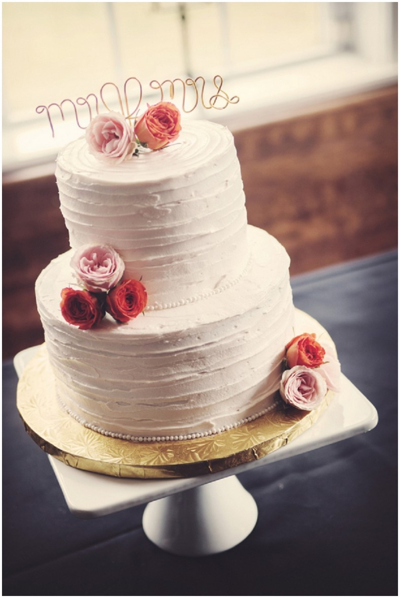 rustic simple wedding cake