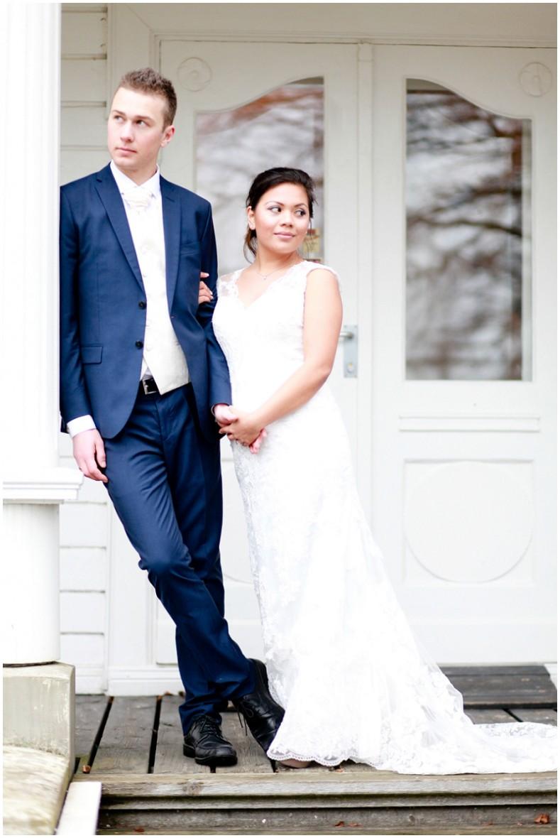 front porch wedding photos