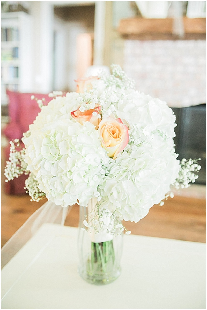 white and peach bouquet