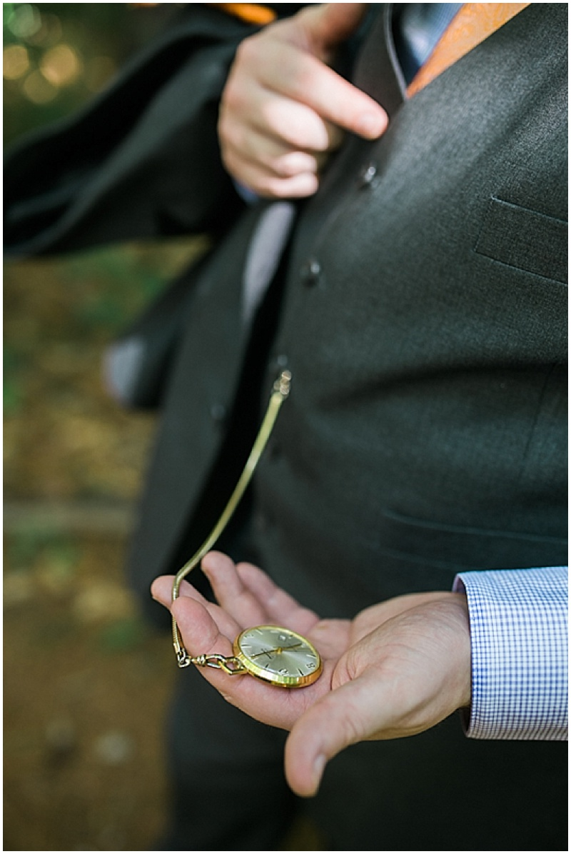 groom wedding photos