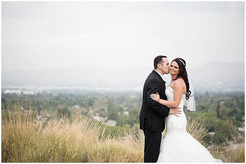 wedding couple outdoor photos