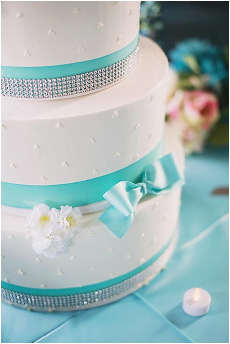 white and aqua wedding cake