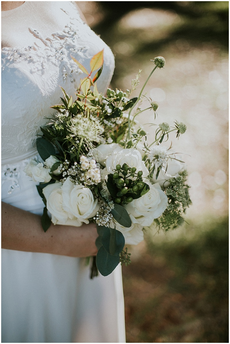 white and green wedding flowers