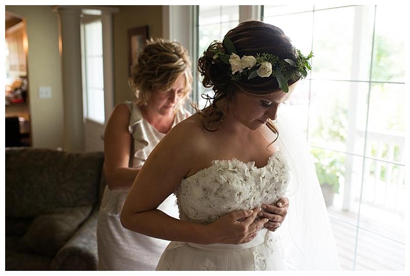 bride gettting ready