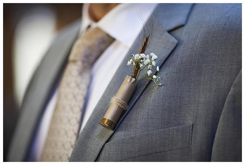 groomsmen simple boutonniere