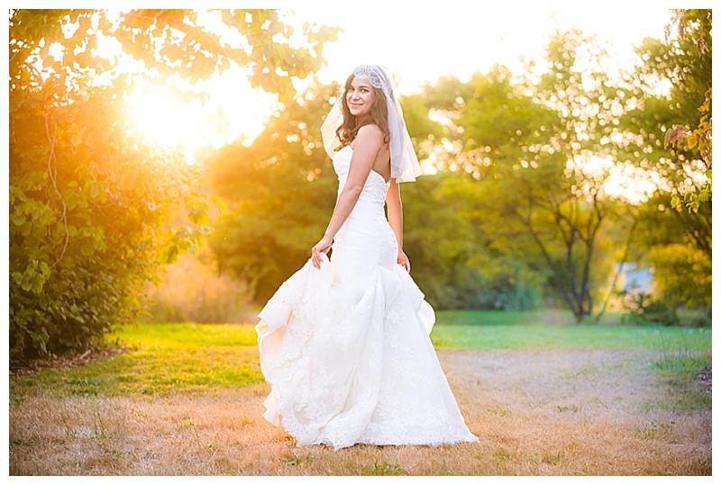 White and Khaki Outdoor Wedding with Cajun Flair_091