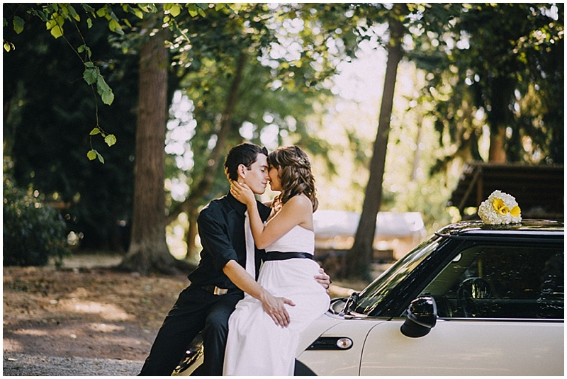 couple wedding car photos