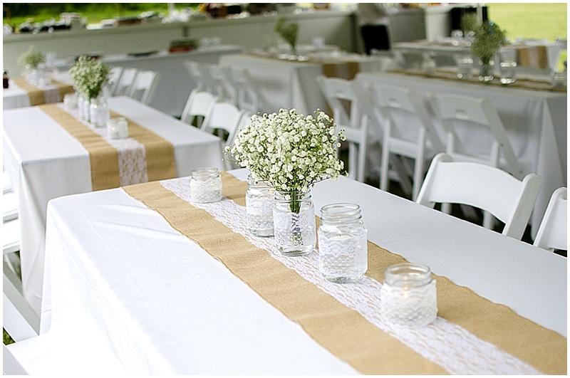 simple burlap wedding decor