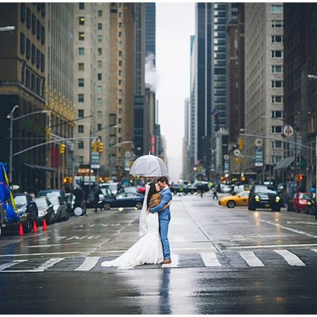 rainy NYC wedding photos
