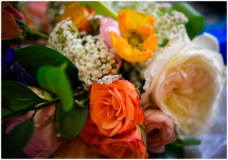 organe and white wedding bouquet