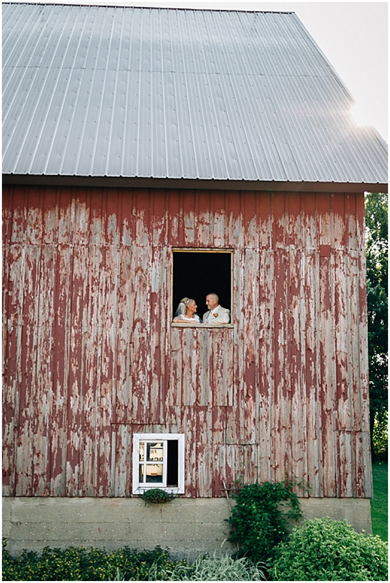 barn wedding photos