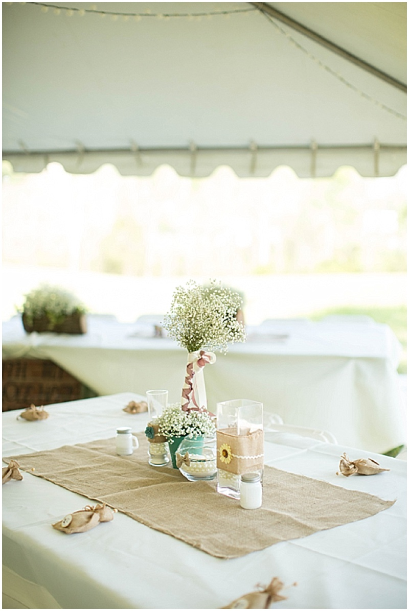 Rustic Wedding with Teal Details_033