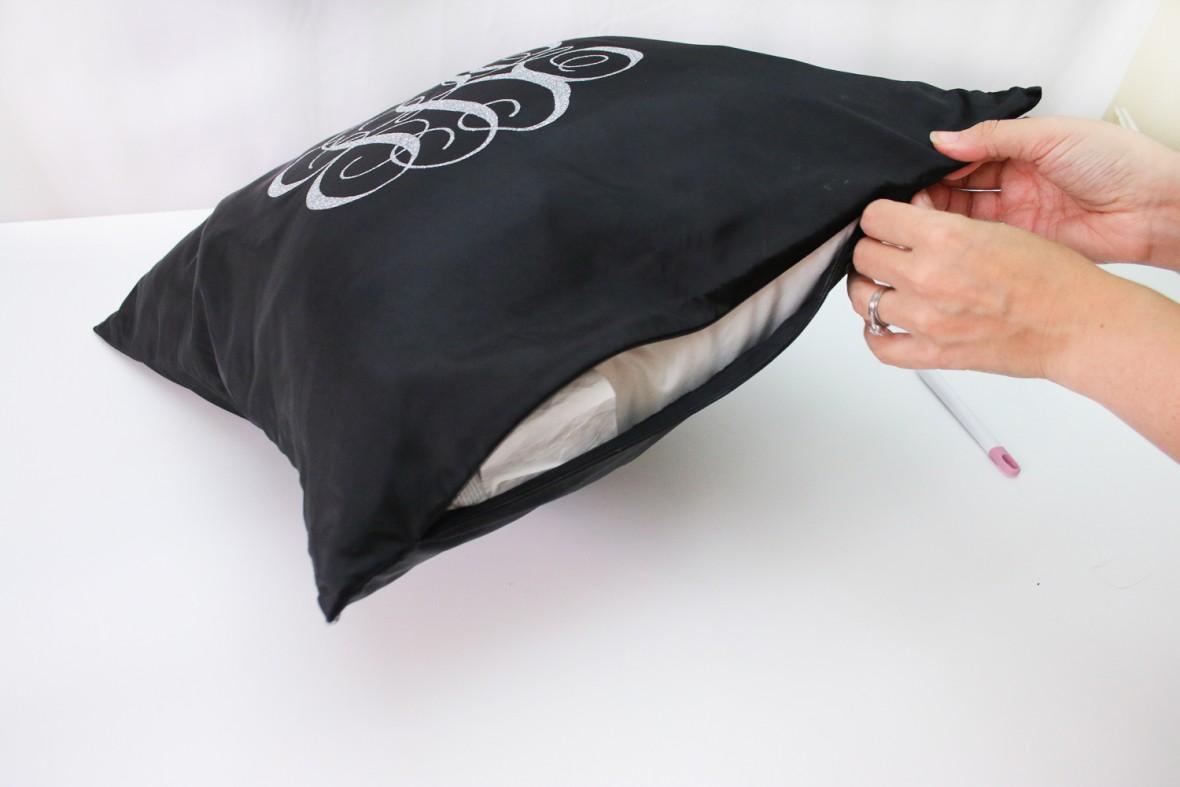 cricut-monogrammed-pillows-17
