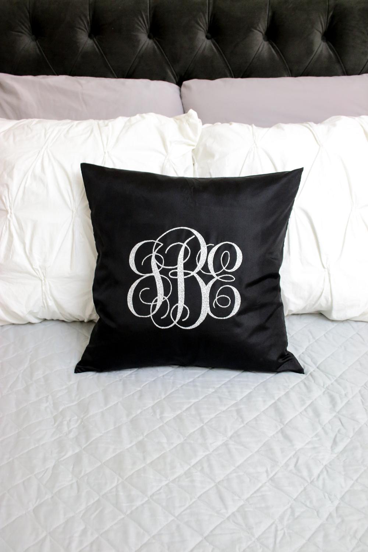 cricut-monogrammed-pillows-26