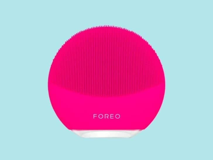 at-home beauty treatments : skincare treatments with Foreo