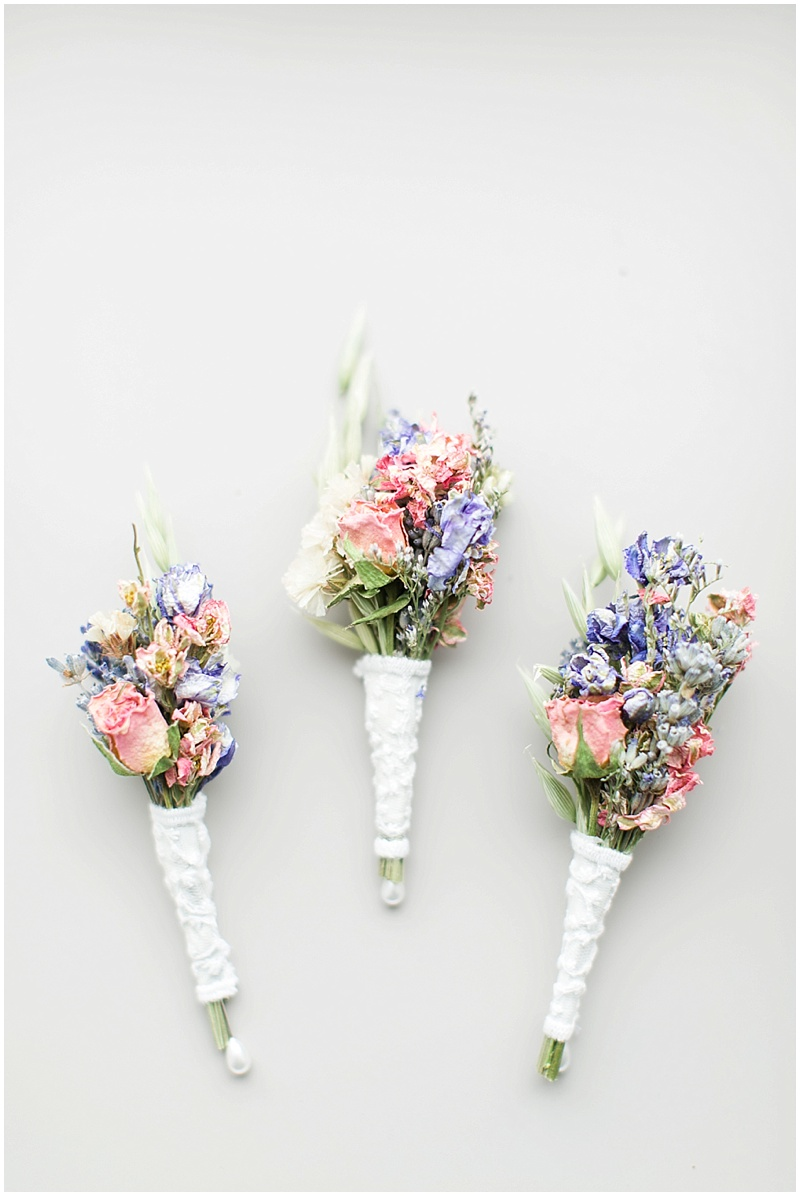 dried flower boutonnieres