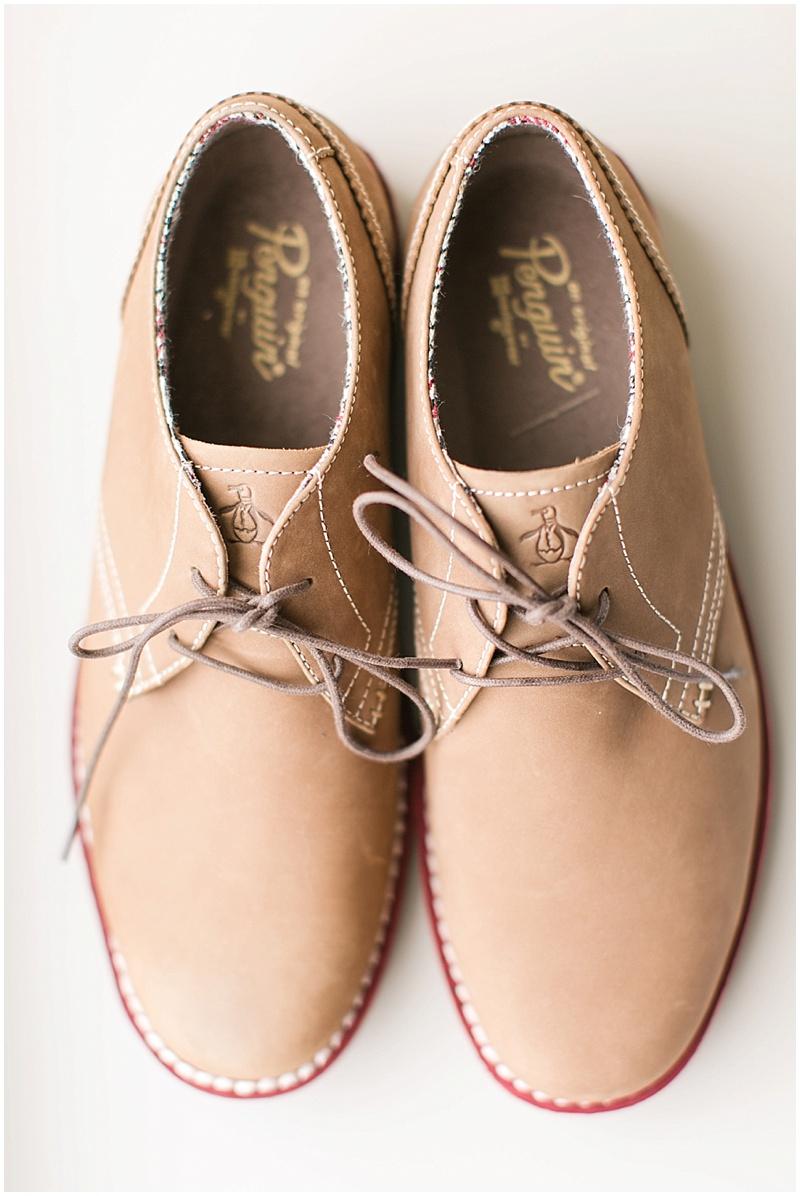 groom shoes