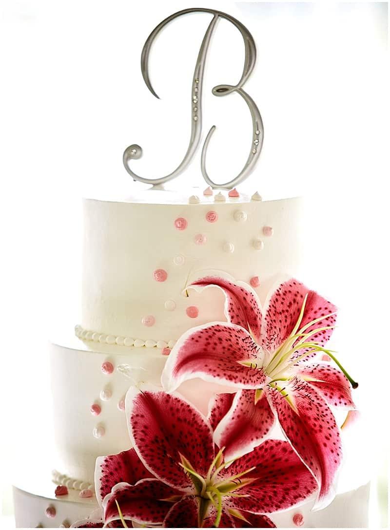 simple white lily wedding cake