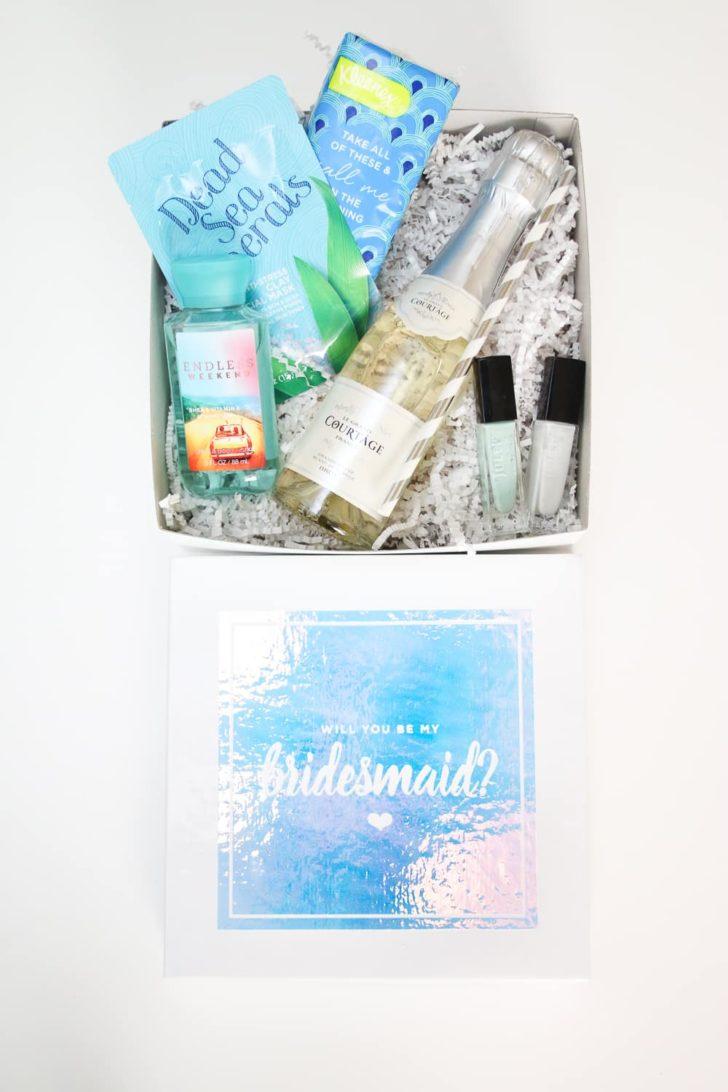 Cricut bridesmaids proposal box with free Cricut Cut File
