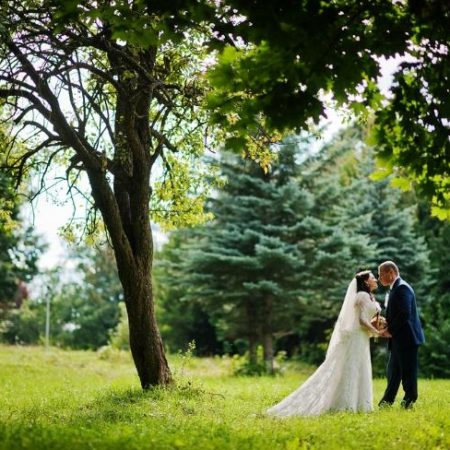 Plan the perfect outdoor wedding