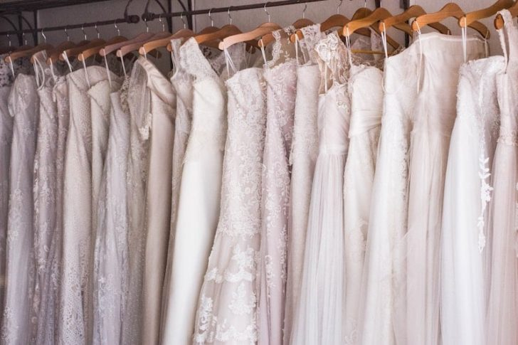 shopping for used wedding dress