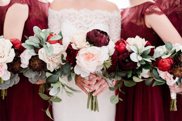 Rent Your Wedding Flowers with Something Borrowed Blooms! Gorgeous wedding bouquets for rent for your whole bridal party!