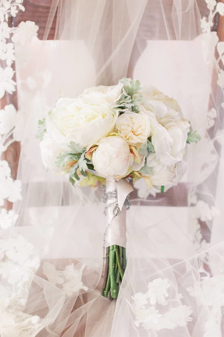 Rent Your Wedding Flowers with Something Borrowed Blooms! Rent your wedding bouquet for far less than the cost of professional florist arrangements!
