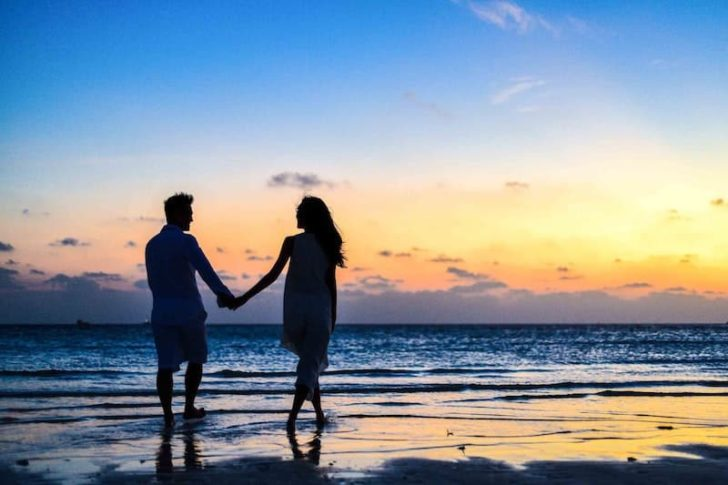 how to survive wedding planning in a long distance relationship - take a minimoon