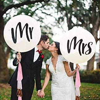 amazon wedding decor - mr and mrs balloons