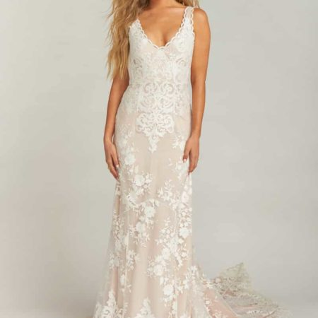 Contessa V-Neck Lace Wedding Dress