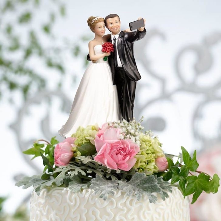 amazon wedding decor - selfie wedding cake topper