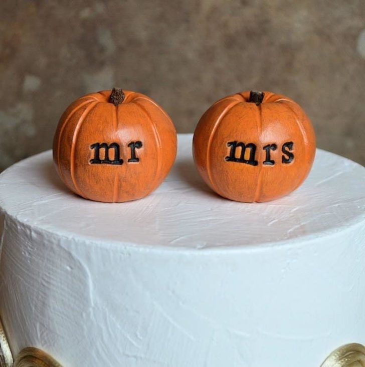 amazon wedding decor - pumpkin wedding cake topper