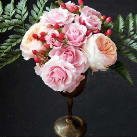 DIY Wedding Flowers : Blooms on a Budget Peach and Pink Garden Roses Arrangement